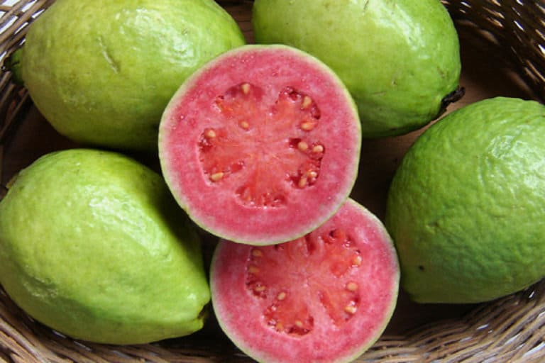 Top 12 Benefits of Guava for skin, hair and health