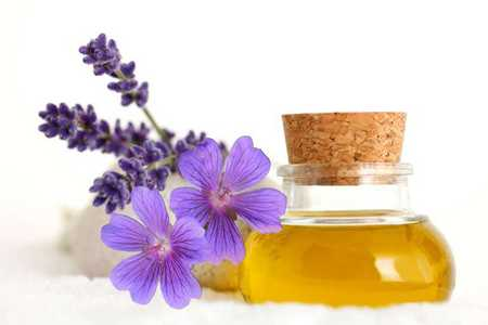 Get rid of dandruff with lavender oil
