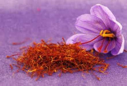 Saffron face mask
