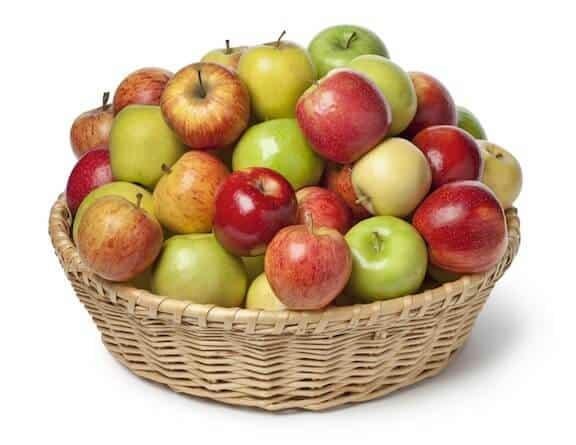 Apples: Calories,Fats,Proteins,Vitamins,Minerals