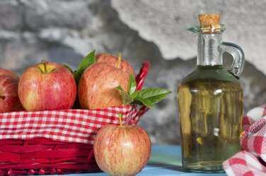 apple cider vinegar for black spots on lips