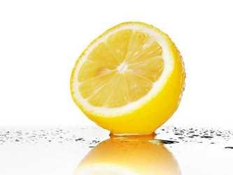 lemon juice for black marks on lips