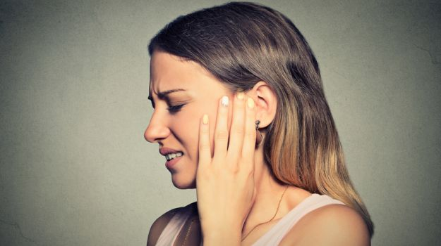 Shooting pain in ear-24 Causes, 9 Home Remedies